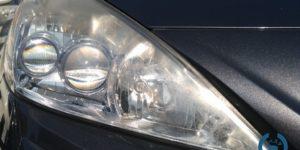 ヘッドライトリムーバー | ヘッドライトコーティング トヨタ プリウスα スチーム状で施工