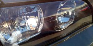 飛び石傷 の 除去 をヘッドライトリペア