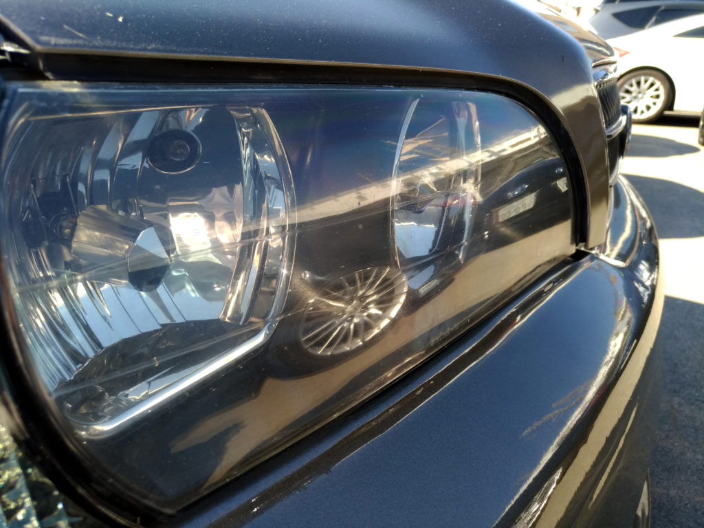ヘッドライトへ出来た飛び石傷の除去をヘッドライトリムーバーで仕上げました。