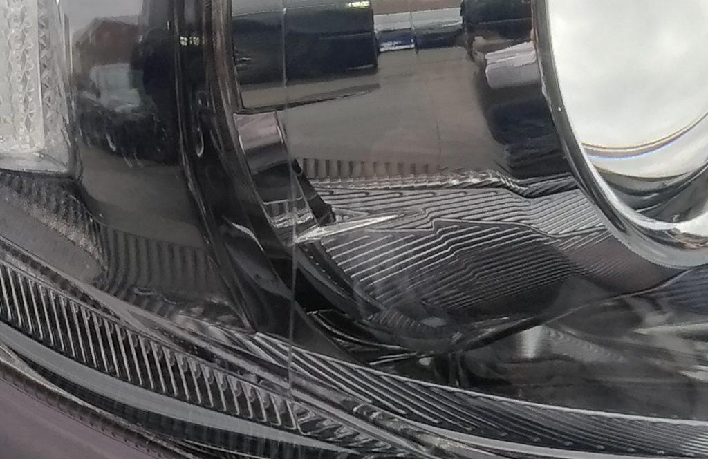 ヘッドライト の 擦り傷 を リペア