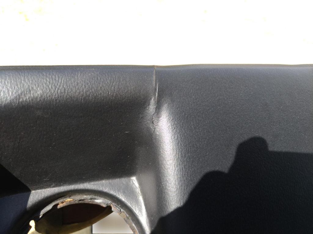 アルファロメオ ダッシュボード の ひび割れ  レストア